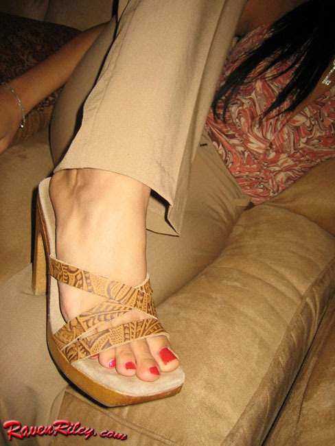 Feet raven riley toes